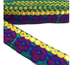 Embroidered green braid - Wine and navy blue flowers - Border of yellow mirrors - 35 mm