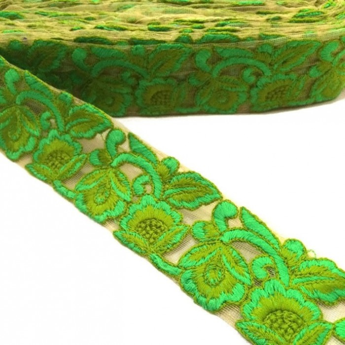 Embroidered tulle - Flowers lace - Green - 45 mm