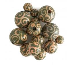 Twirls Wooden beads - Twirls - Kaki and salmon Babachic by Moodywood