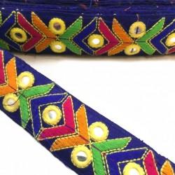 Broderies Galon ethnique brodé - Bleu marine - Graphique orange, bleu, vert et rose - Miroirs sequins - 40 mm babachic