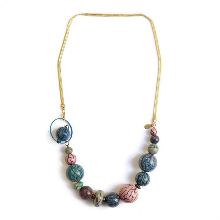 Short necklace with golden chain - Light blue