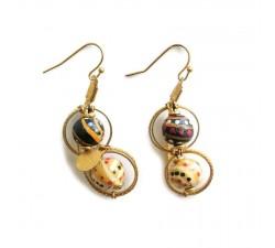 Pendientes Boucles d'oreille courtes de style rétro noir et beige montées sur une chaîne dorée Babachic by Moodywood
