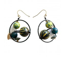 Earrings Boucles d'oreille courtes et rondes avec perles en bois noir et jaune Babachic by Moodywood