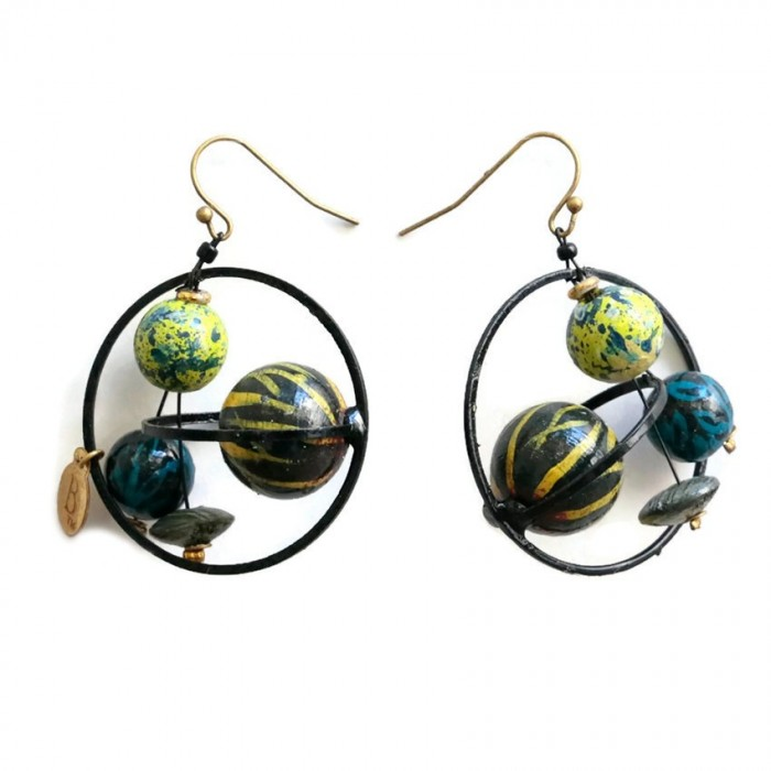 Round and short earrings  with black and yellow wooden beads