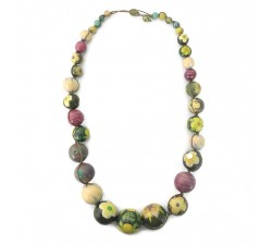 Necklaces Short necklace in green wooden beads Babachic by Moodywood