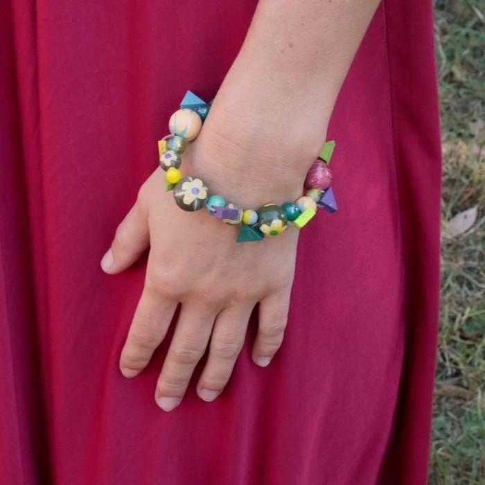 Green wooden beads Bohemian bracelet