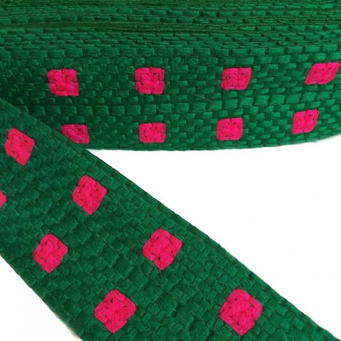 Broderie graphique - Carré - Vert et rose - 65 mm